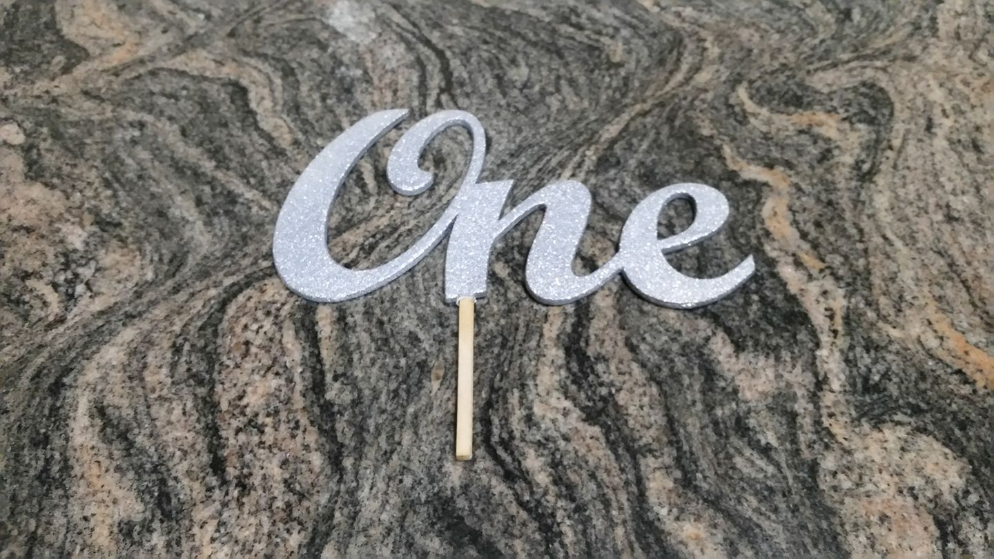 Custom topper in Plywood - Painted with silver glitter paint