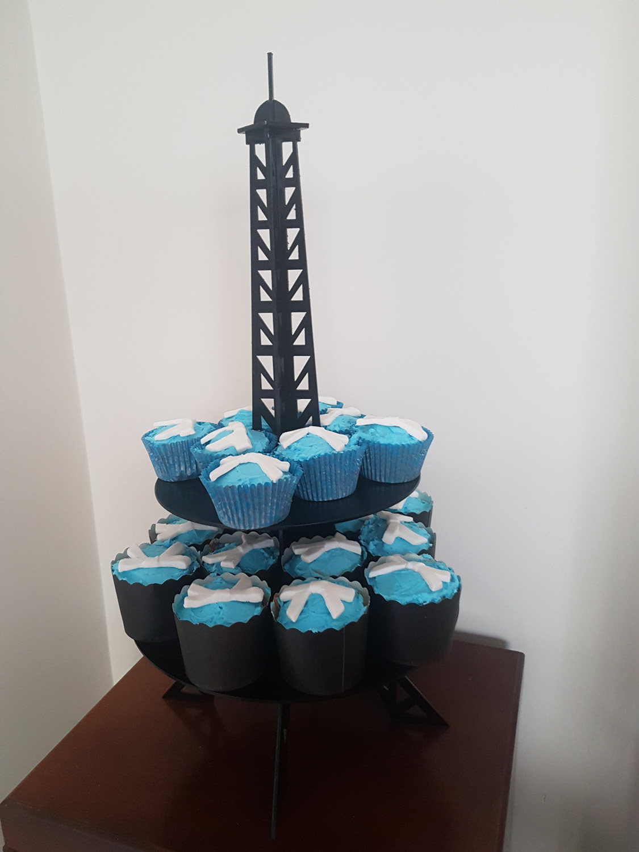 Eiffel tower cupcake stand